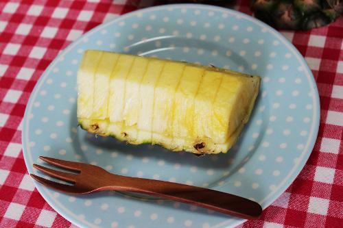 パイナップル切り方写真6