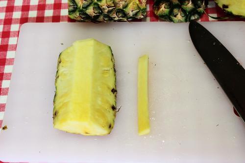 パイナップル切り方の手順3