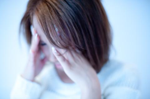 更年期女性 頭痛 鬱