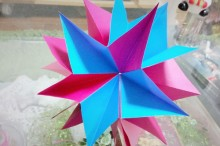 クリスマス壁飾りを折り紙で手作り